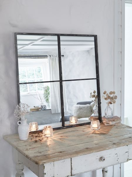 Dining Room Console Decor