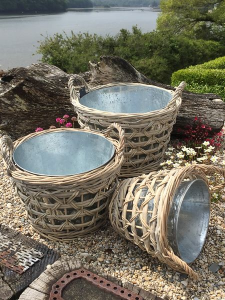 Willow And Zinc Planter Set Willow Planters Nordic House