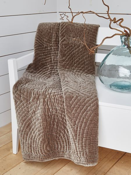 Quilted Velvet Throw Mocca