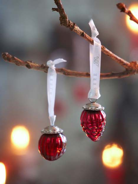 mini-antique-red-baubles_Nordic_House