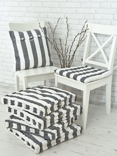 striped_cushions_nordic-House