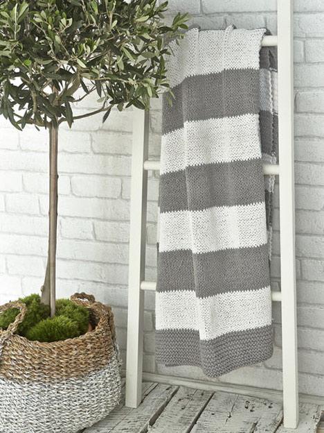 striped_throw_nordic_house