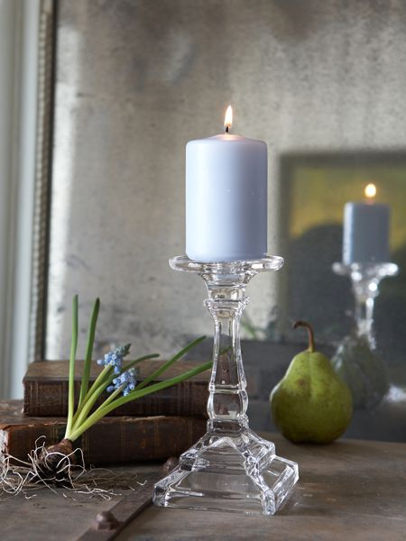 glass pillar dinner candle