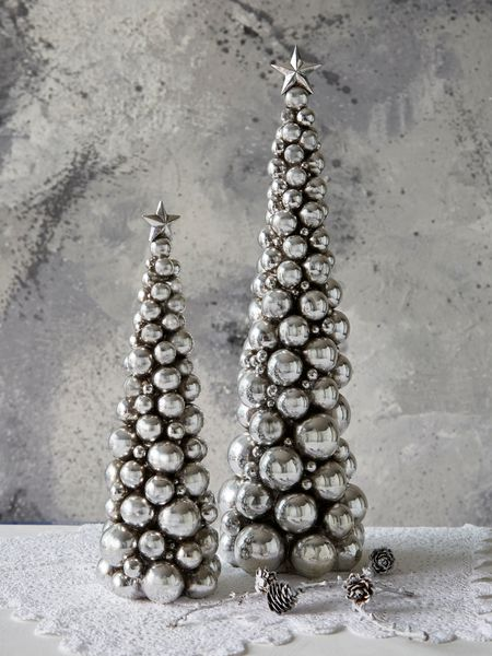bauble christmas tree - nordic house