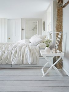 Relaxing bedroom. Scandi bed linen.